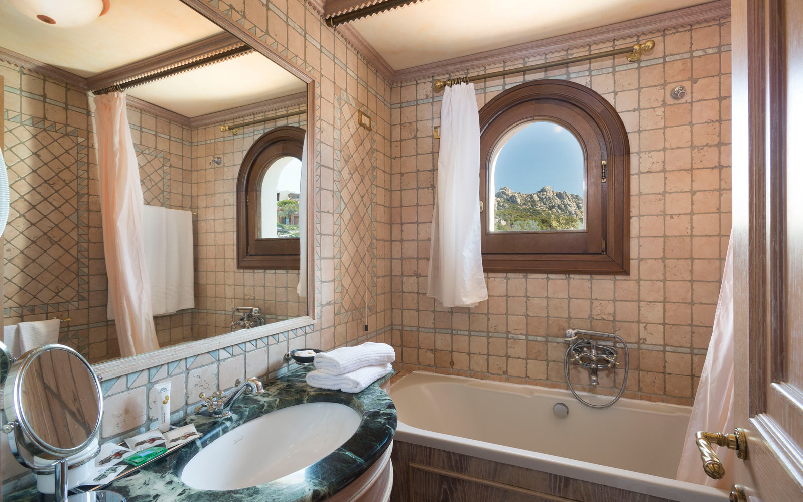 Bathroom Suite at Le Palme