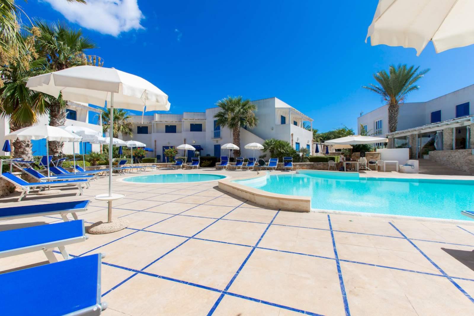Cala La Luna Resort - Swimming Pool