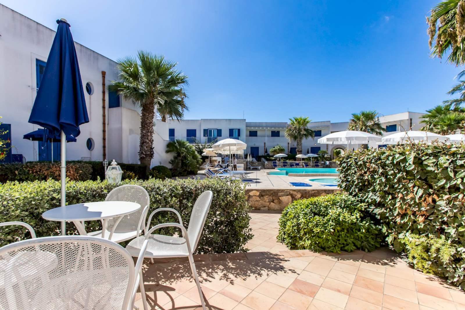 Cala La Luna Resort