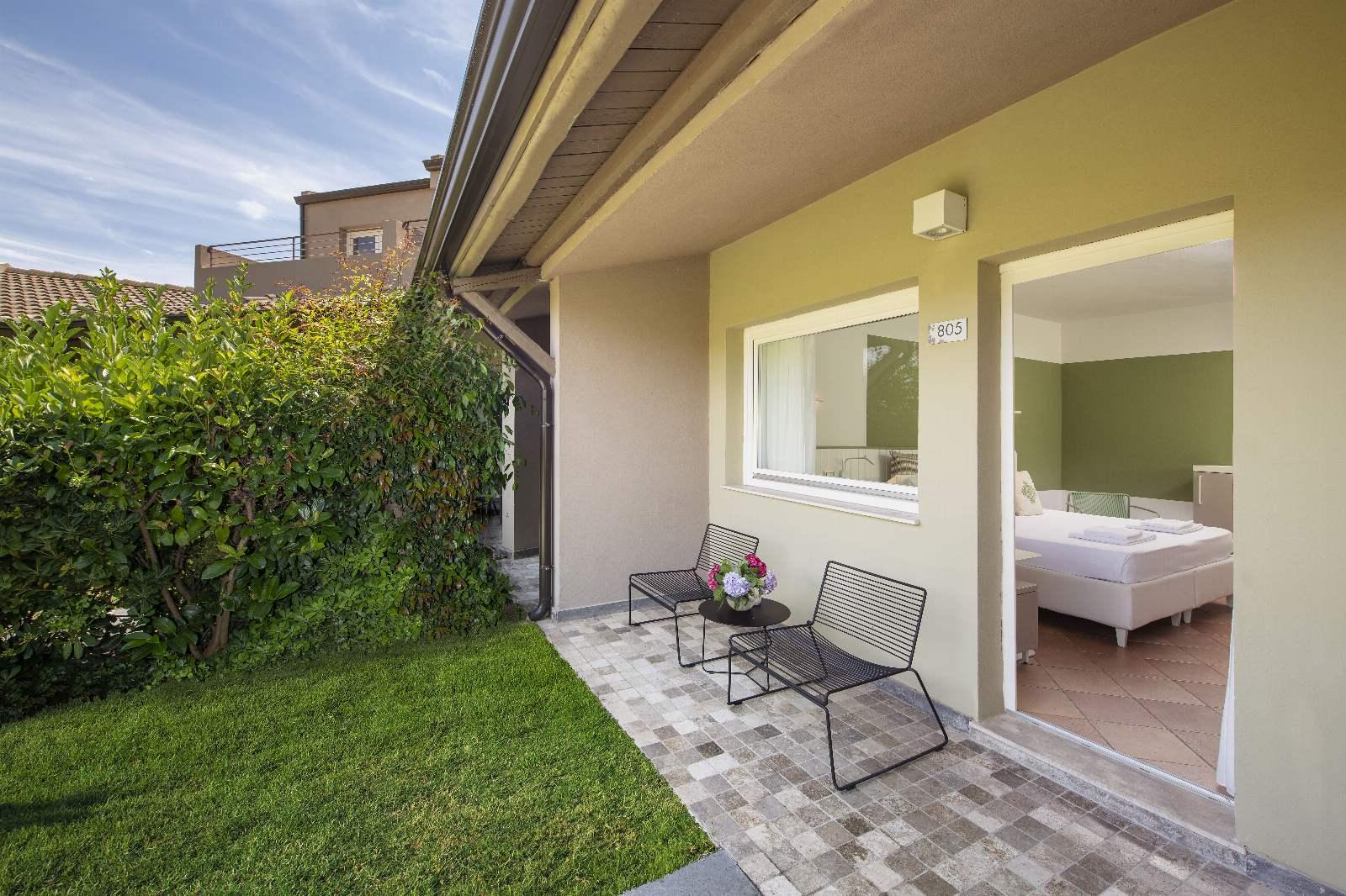 Chia Laguna: Hotel Village - Garden Triple Cottage