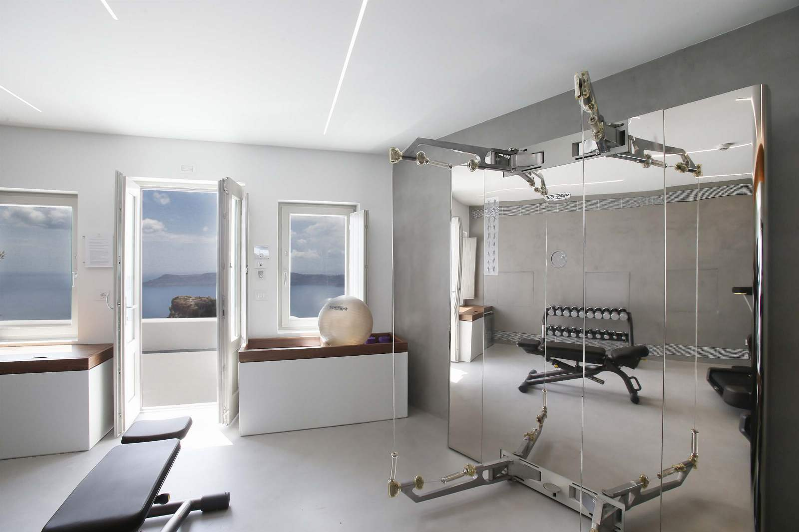 Fitness Area, Grace Hotel