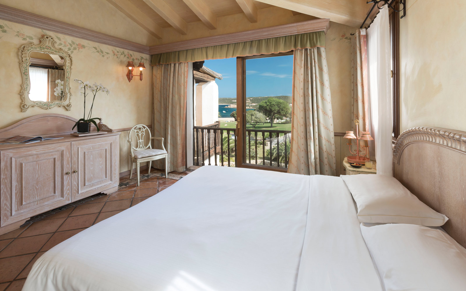 Deluxe Room at Le Palme