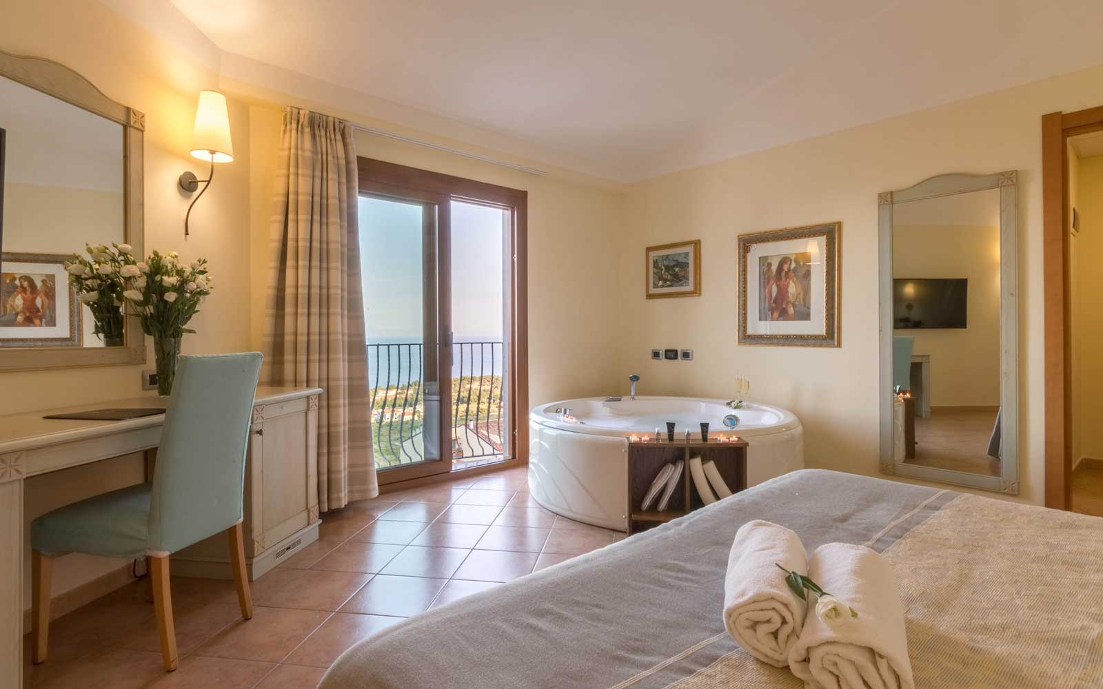 Grand Deluxe Room with Sea View at Hotel Brancamaria