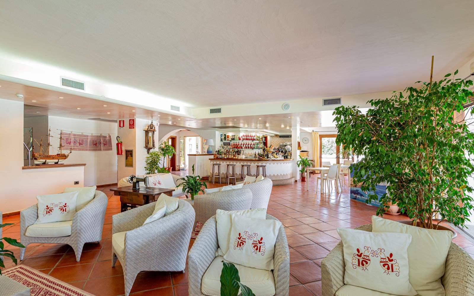 Hotel La Funtana Lobby