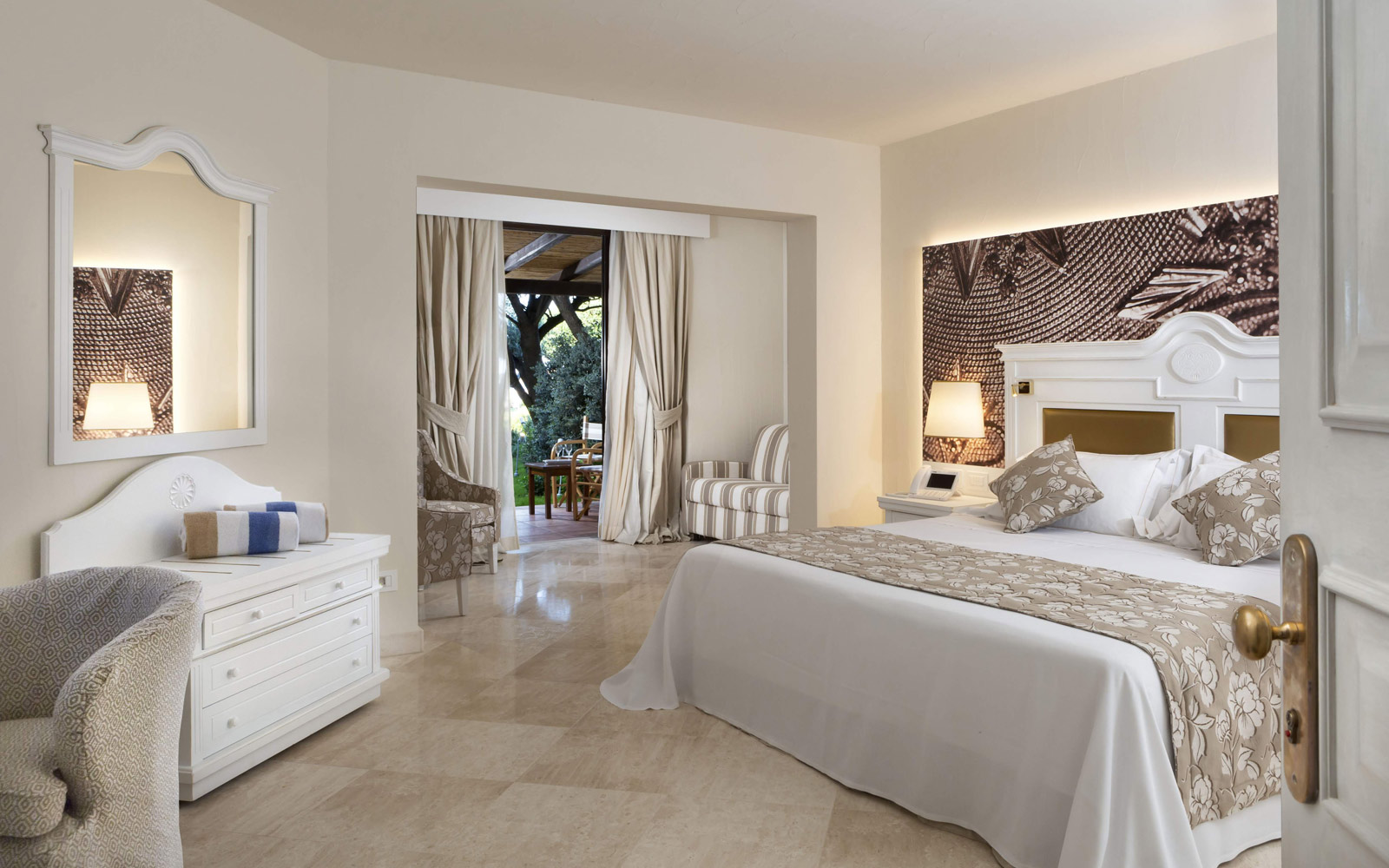 Junior Suite at Hotel Abi D'Oru