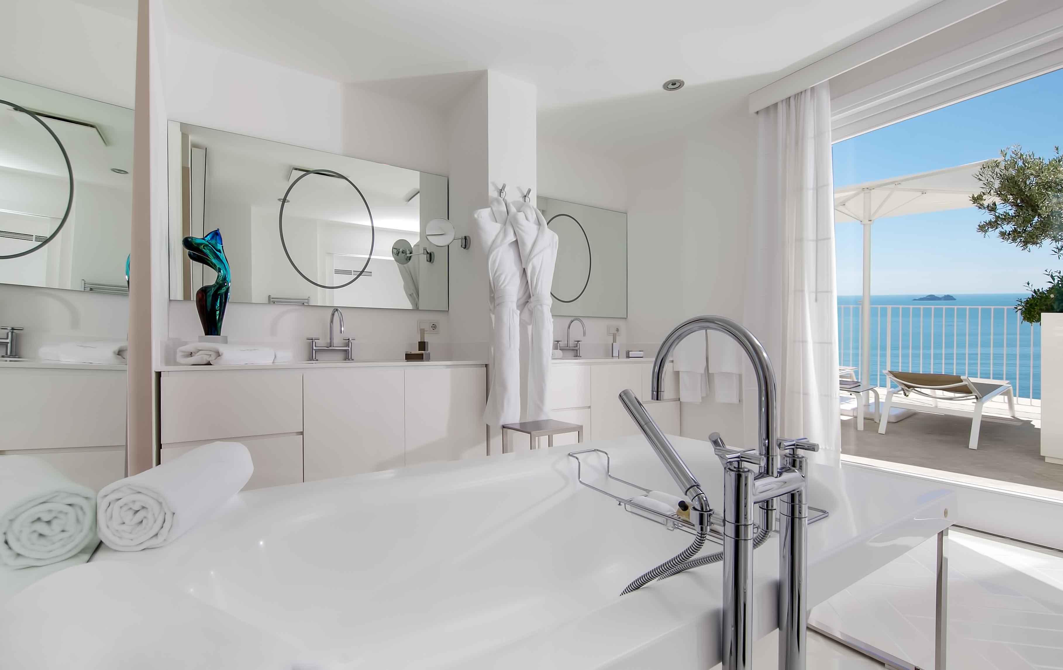 Junior Suite Bathroom at Casa Angelina