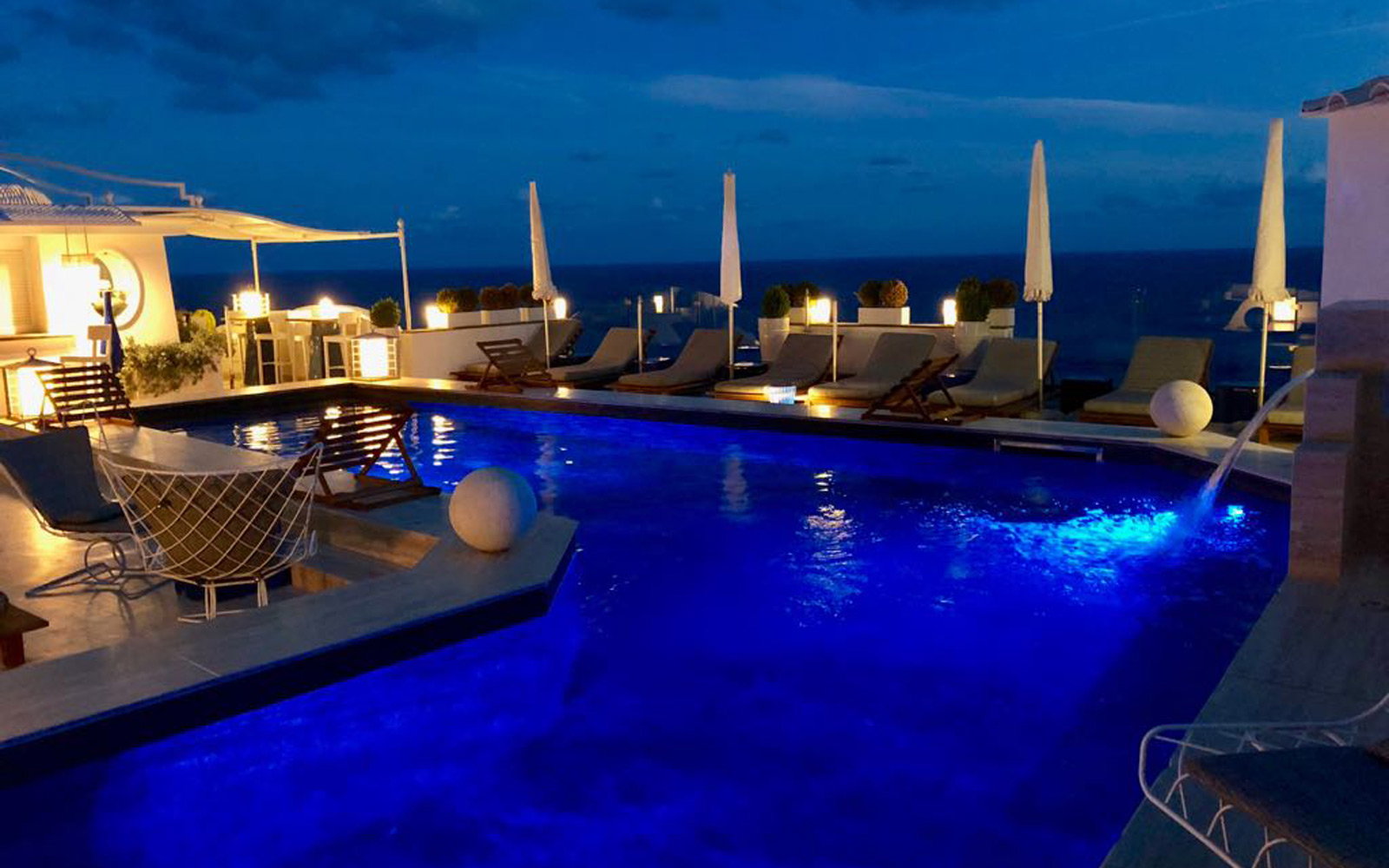 Pool at night - Hotel Villa Franca