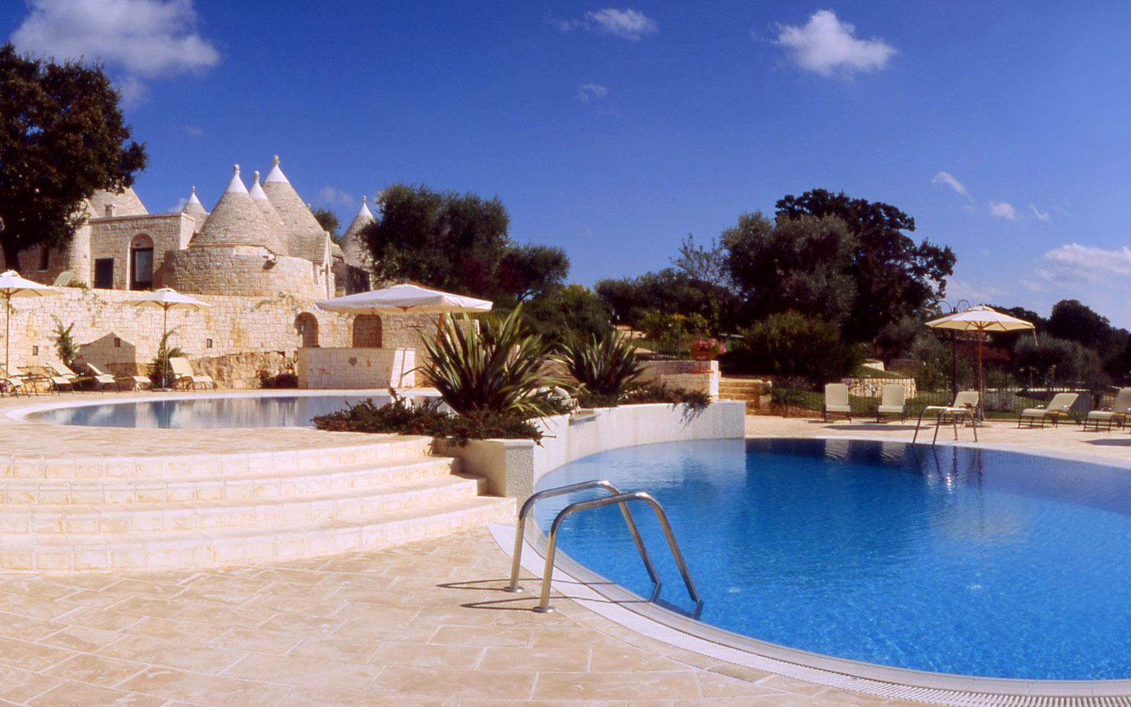 Poolside at Il Palmento