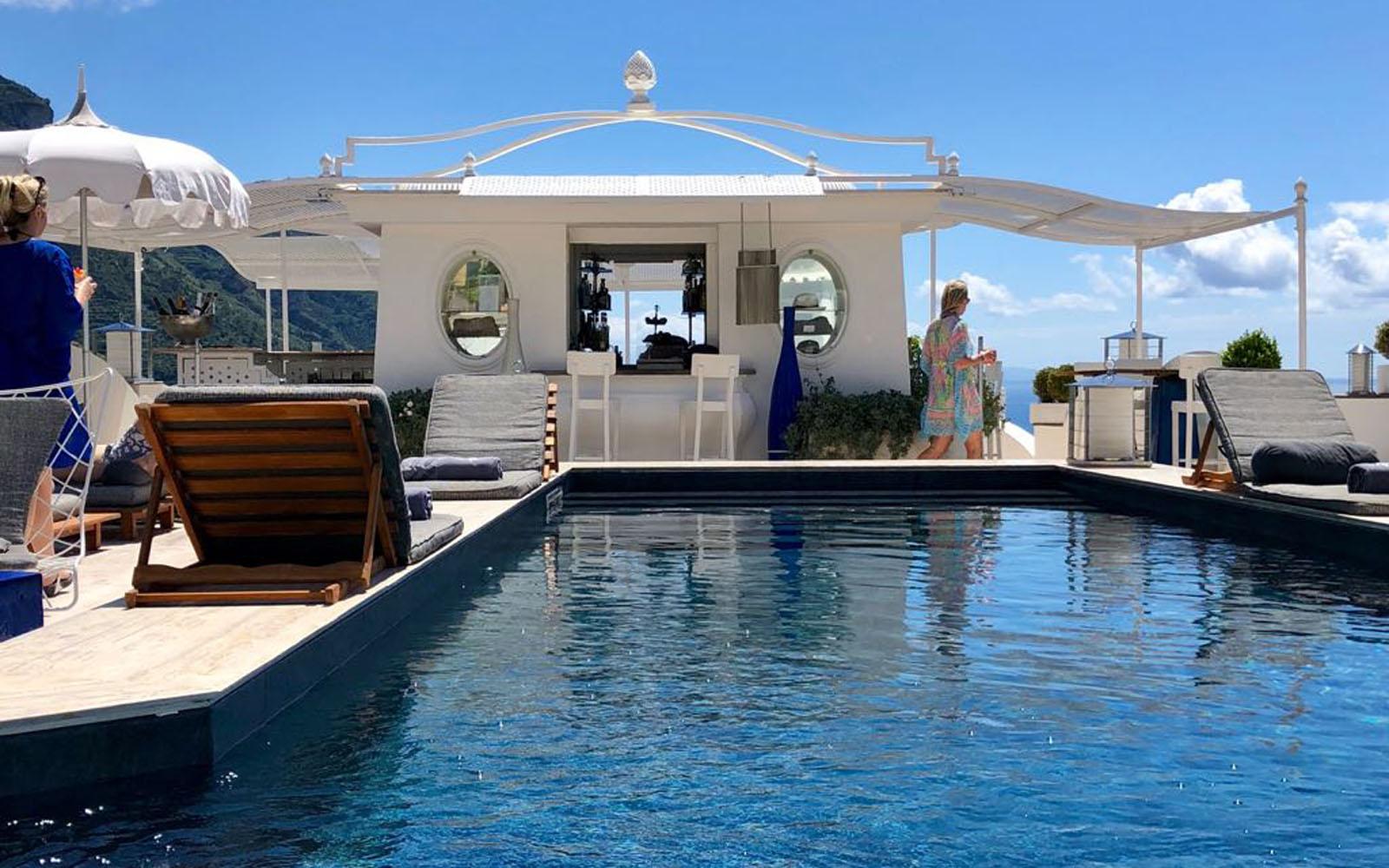 Pool at Day - Hotel Villa Franca