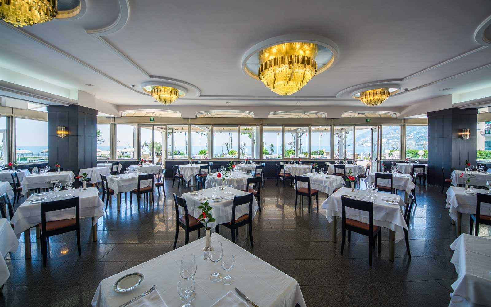 Restaurant at Hotel Pietra Di Luna