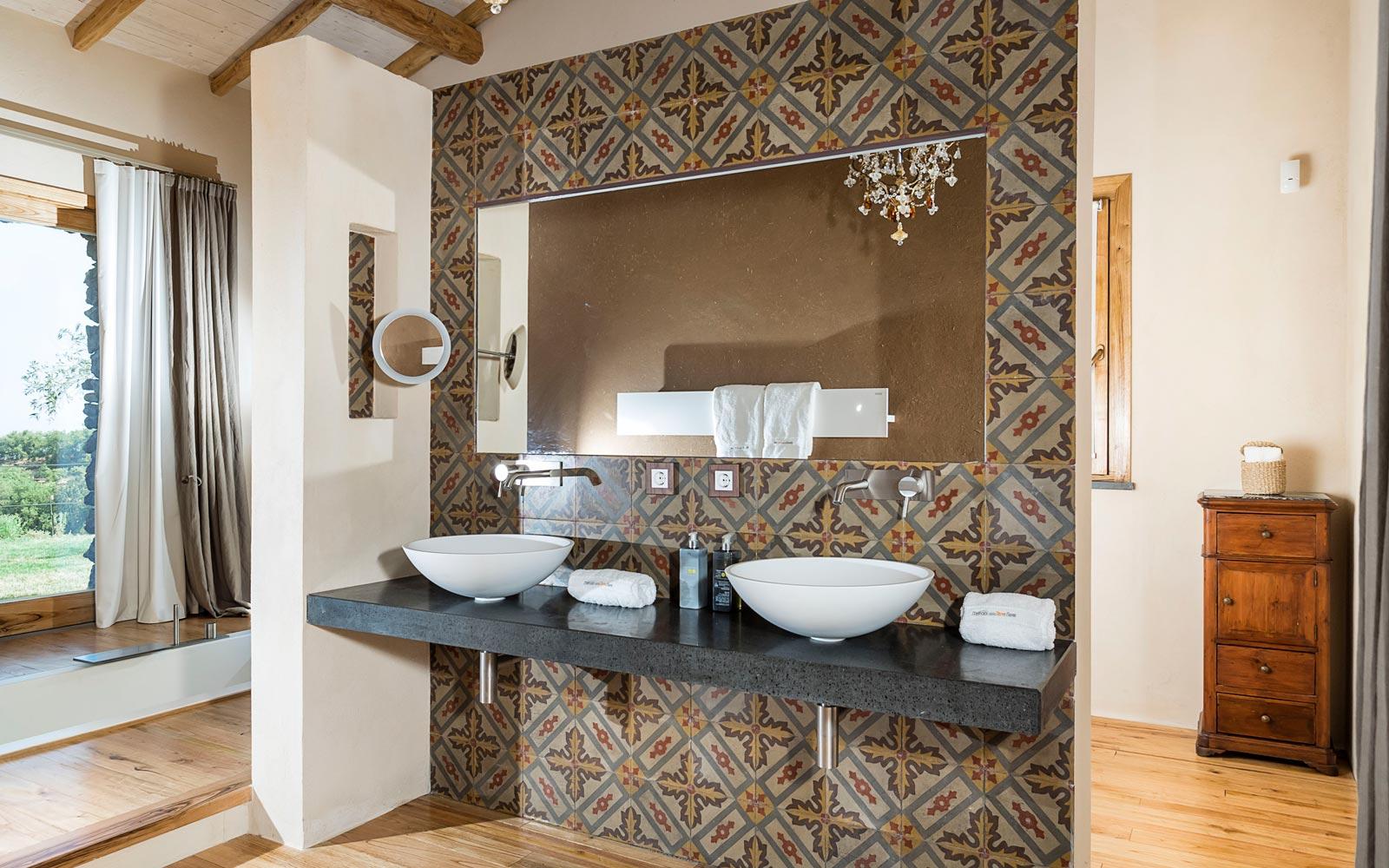 Monaci Delle Terre Nere Suite Royal Bathroom