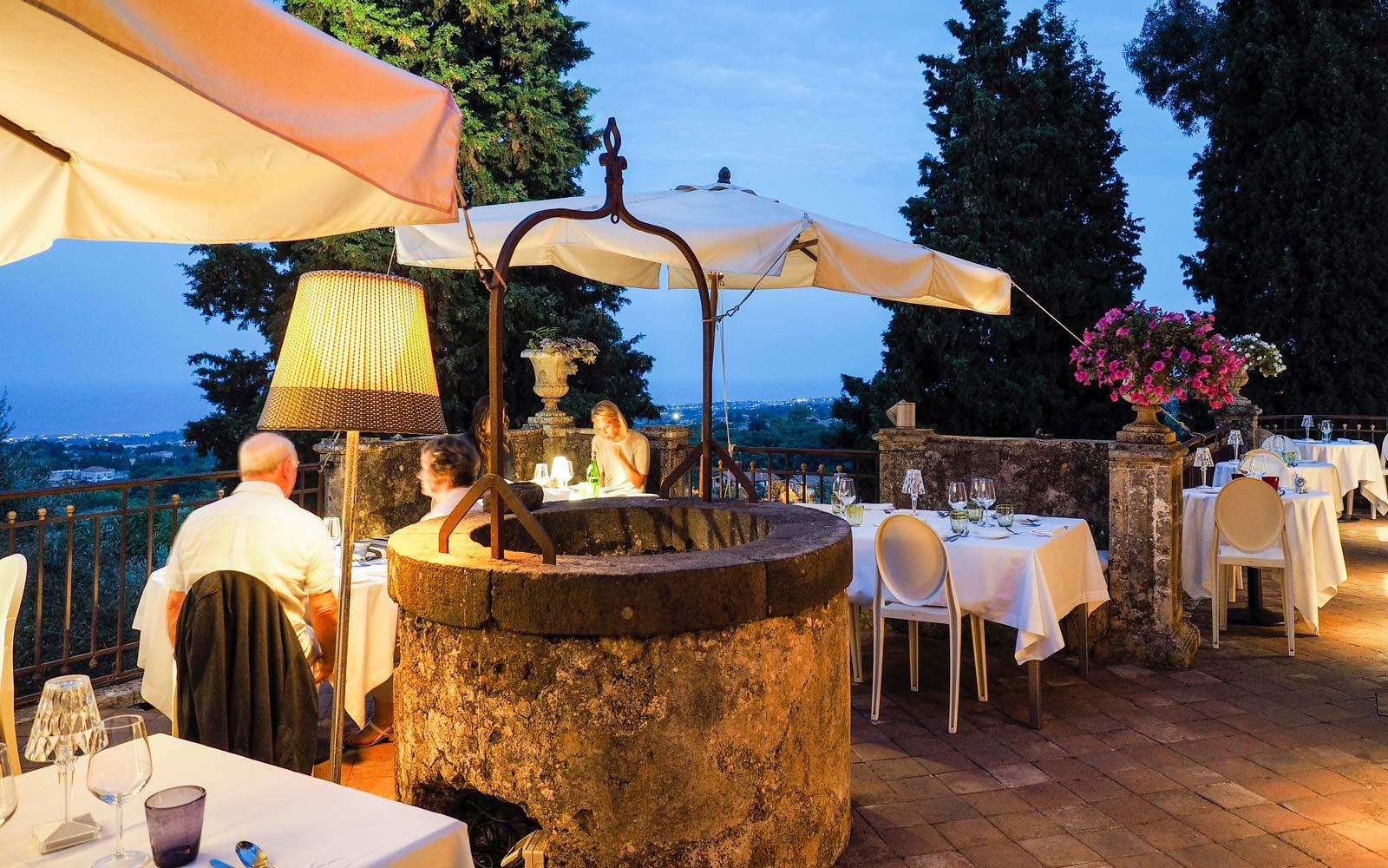 Monaci Delle Terre Nere Terrace Restaurant